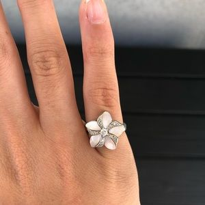 Pink mother of Pearl Flower Ring